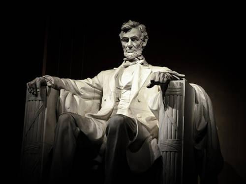 ホワイトハウスに幽霊の目撃情報あり!?さまよえる元大統領の怨念!!